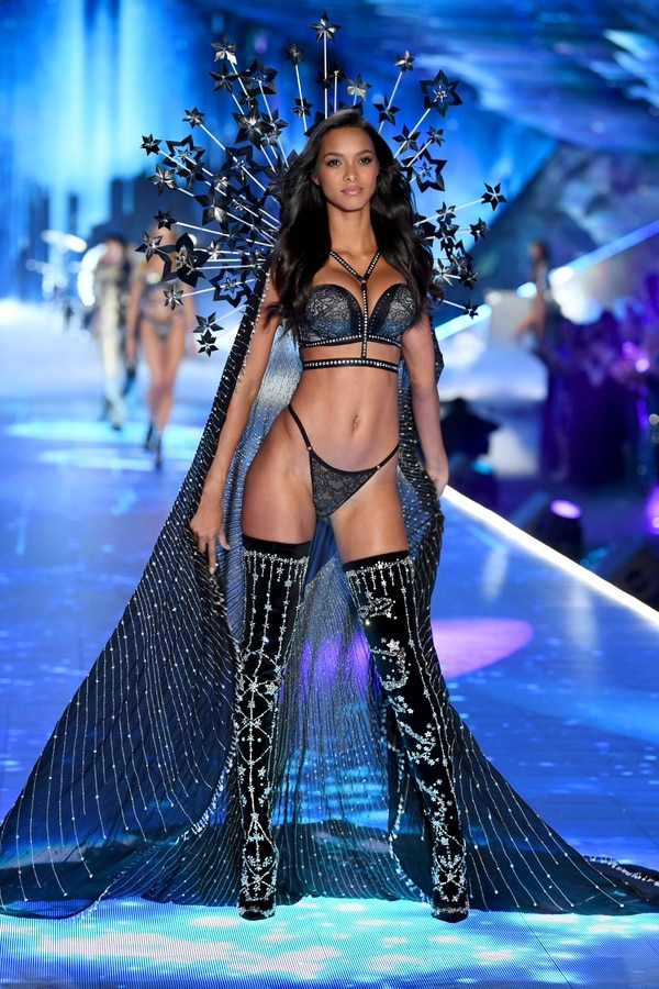 NEW YORK, NY - NOVEMBER 08: Lais Riberio walks the runway during the 2018 Victoria's Secret Fashion Show at Pier 94 on November 8, 2018 in New York City. (Photo by Dimitrios Kambouris/Getty Images for Victoria's Secret)