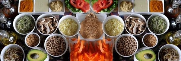 Régimen alimenticio basado principalmente en el consumo de productos vegetales, pero que admite el uso de productos del animal
