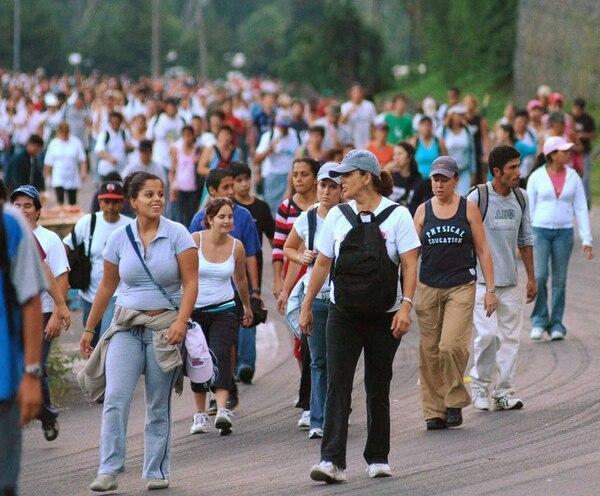 Romería el 2 de agosto en Costa Rica, hacia la Basílica de la Virgen de los Ángeles en la provincia de Cartago.