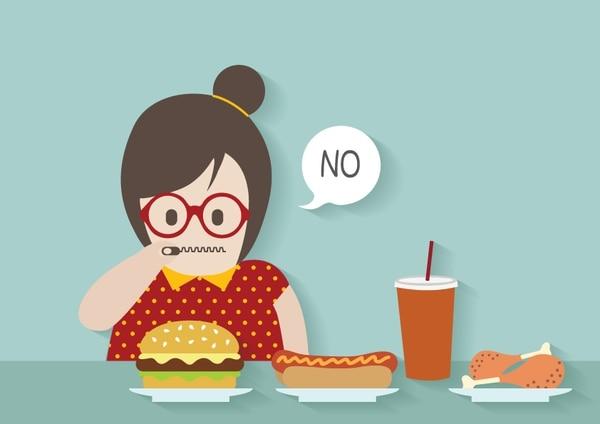 """Es fin de semana y come como nunca bajo la excusa de que cuando la dieta empiece tendrá """"prohibidos"""" los placeres del momento."""