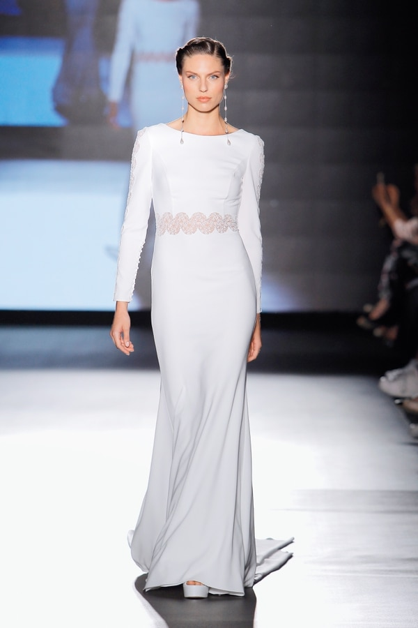 Diseño de Rosa Clará. Foto: Barcelona Bridal Fashion Week