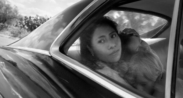 Imagen de la películo Roma con la actriz Yalitza Aparicio en escena. (Alfonso Cuarón/Netflix via AP)