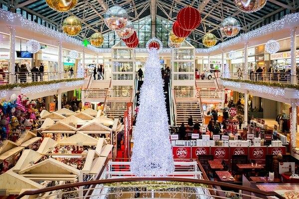 Fotos con personajes de Santa, villancicos, música en vivo, talleres entre otras actividades forman parte de la agenda de actividades, de varios centros comerciales.