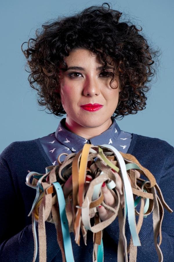 Retrato a la diseñadora nacional Sofía Protti, dueña de la marca Cueropapel&tijera. Fotografía Marcela Bertozzi