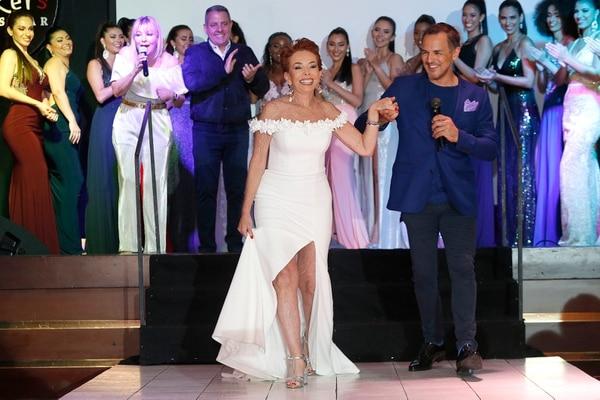 23/05/2019/ Desfile Amanda Moncada en el Hotel Sheraton de Escazú / John Durán