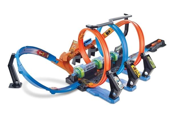 Hot Wheels Corkscrew Crash Track Set: $44.00 en Amazon.