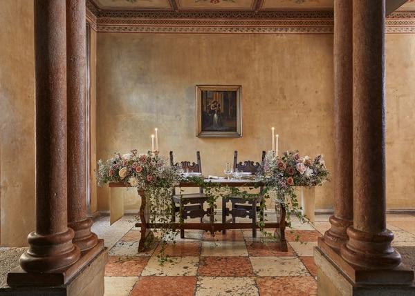 Justo a tiempo para el 14 de febrero, Airbnb anunció que la histórica casa de Julieta, enamorada de Romeo, abre sus puertas en Verona, Italia para que una pareja pueda pasar la noche por primera vez desde 1930.