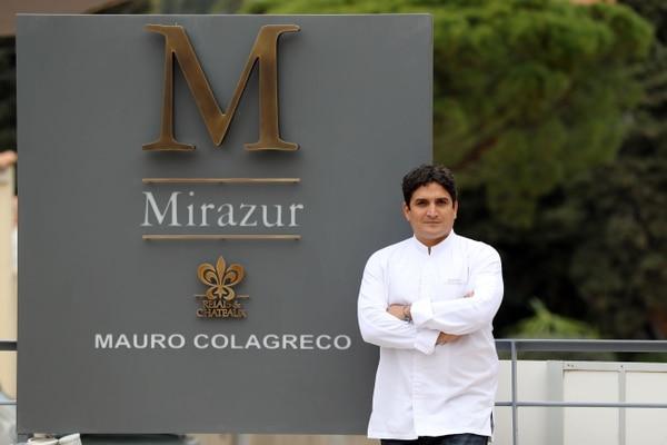 Mauro Colagrec frente a su restaurante Mirazur en Francia. Esta foto es del 2015.