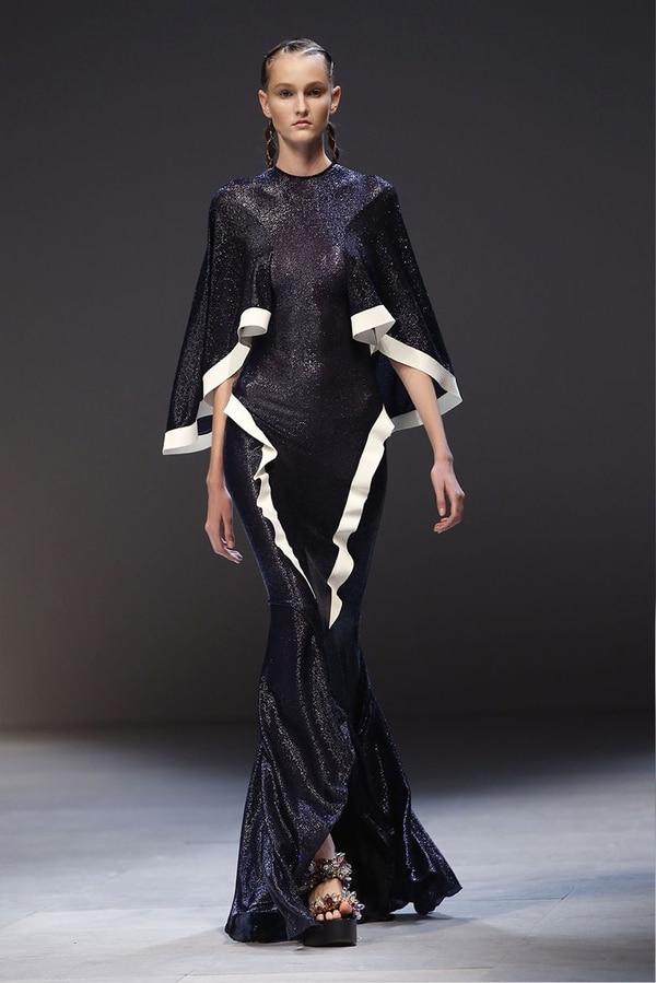 Pasarela del diseñador colombiano Esteban Cortázar en la Semana de la Moda de París 2018. Foto: AFP